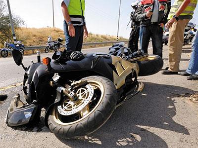 Consulta Gratuita en Español con Abogados de Accidentes de Moto en Commerce California