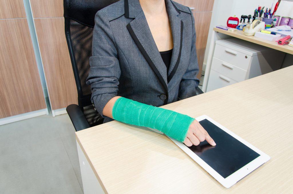 La Mejor Asesoría Legal de Abogados de Accidentes de Trabajo, Demanda de Derechos y Beneficios Cercas de Mí en Commerce California